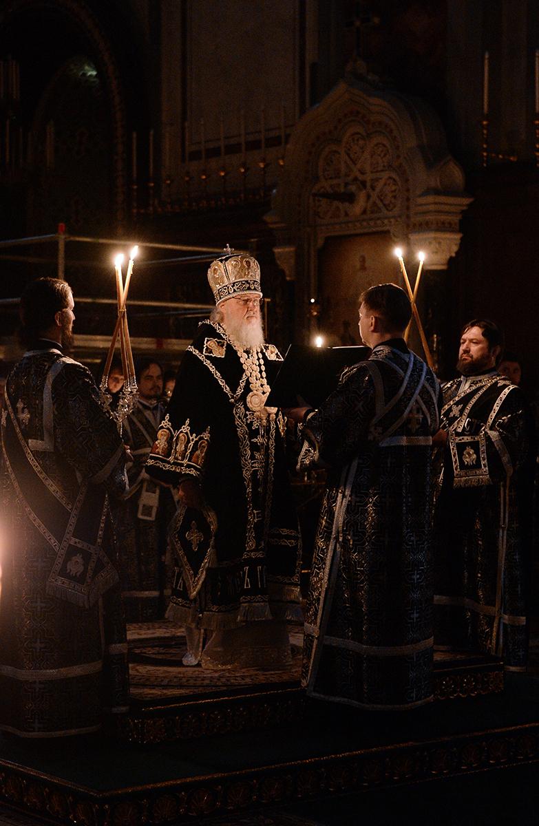 Патриаршее служение в канун Великой Субботы в Храме Христа Спасителя