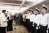 Святейший Патриарх Кирилл посетил учебное парусное судно «Мир» в Архангельске