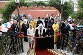 Предстоятель Русской Церкви освятил гостиницу для паломников Покровского женского монастыря г. Москвы