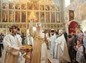 Митрополит Крутицкий Ювеналий освятил Никольский храм в подмосковном селе Луцино