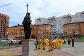 У кафедрального собора Кузбасской митрополии установлена скульптура святого князя Владимира