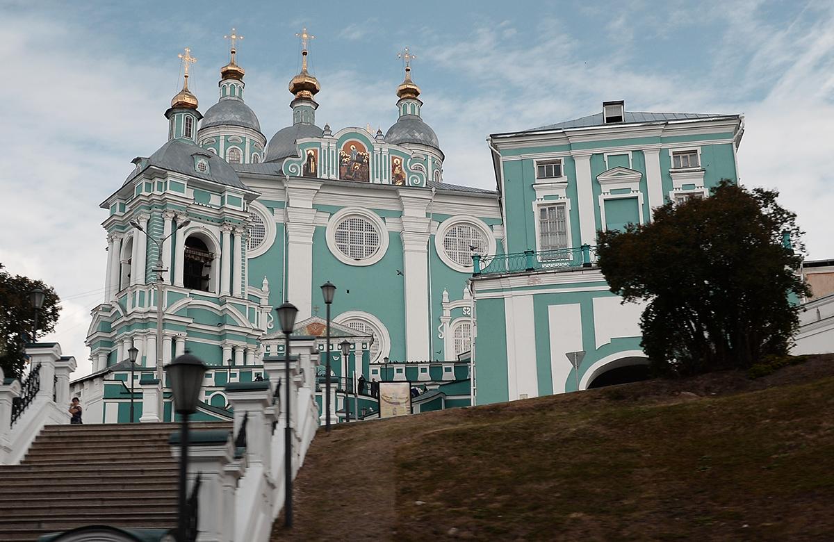 Патриарший визит в Смоленскую митрополию. Литургия в Успенском кафедральном соборе г. Смоленска