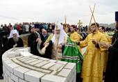 Святейший Патриарх Кирилл совершил закладку храма святых Петра и Февронии Муромских в Горно-Алтайске
