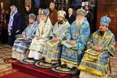 В праздник Покрова Пресвятой Богородицы митрополит Волоколамский Иларион совершил Литургию в Крестовоздвиженском соборе в Женеве