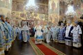 В праздник Казанской иконы Божией Матери Предстоятель Русской Церкви совершил Божественную литургию в Успенском соборе Московского Кремля