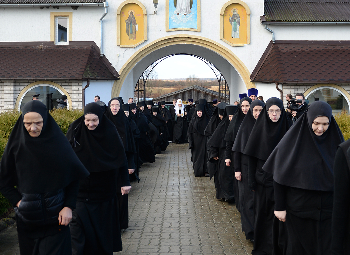 женский монастырь фото