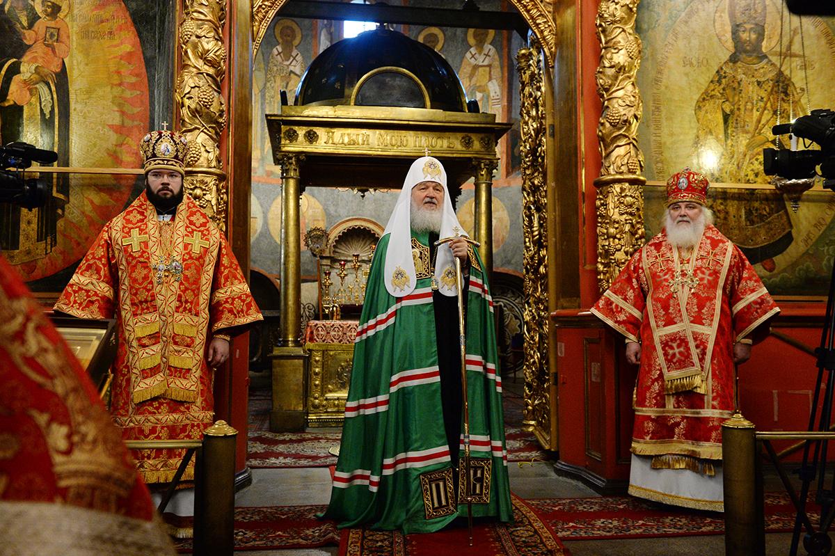 http://p2.patriarchia.ru/2015/11/21/1238843674/2P20151121-VSN_6672-1200.jpg