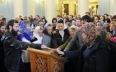 Более ста человек воссоединились с Православной Церковью