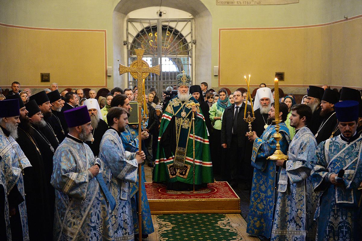 http://p2.patriarchia.ru/2015/12/04/1238854346/2P20151204-VSN_2805-1200.jpg