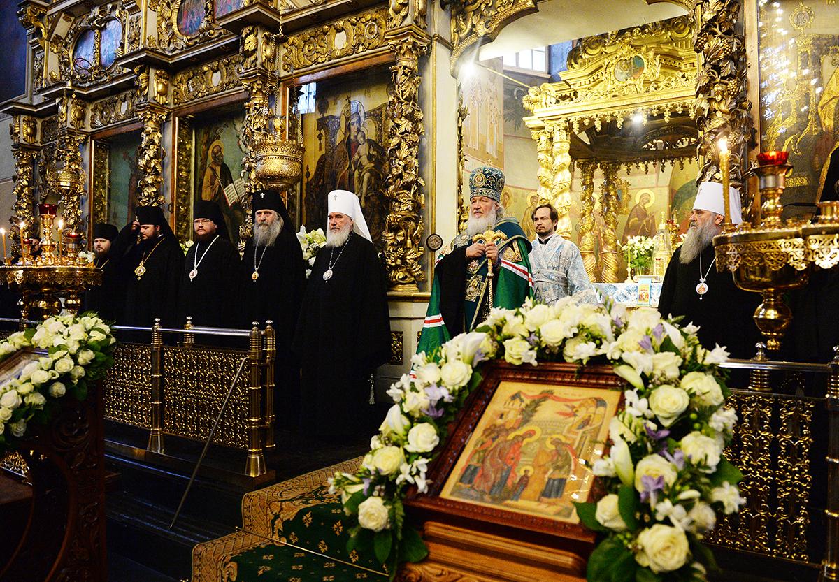 Патриаршее служение в Донском монастыре в годовщину интронизации святителя Тихона, Патриарха Всероссийского
