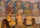 В Неделю святых отец митрополит Минский и Заславский Павел совершил Литургию в Спасо-Евфросиниевском женском монастыре Полоцка и возглавил заседание Духовного собора обители