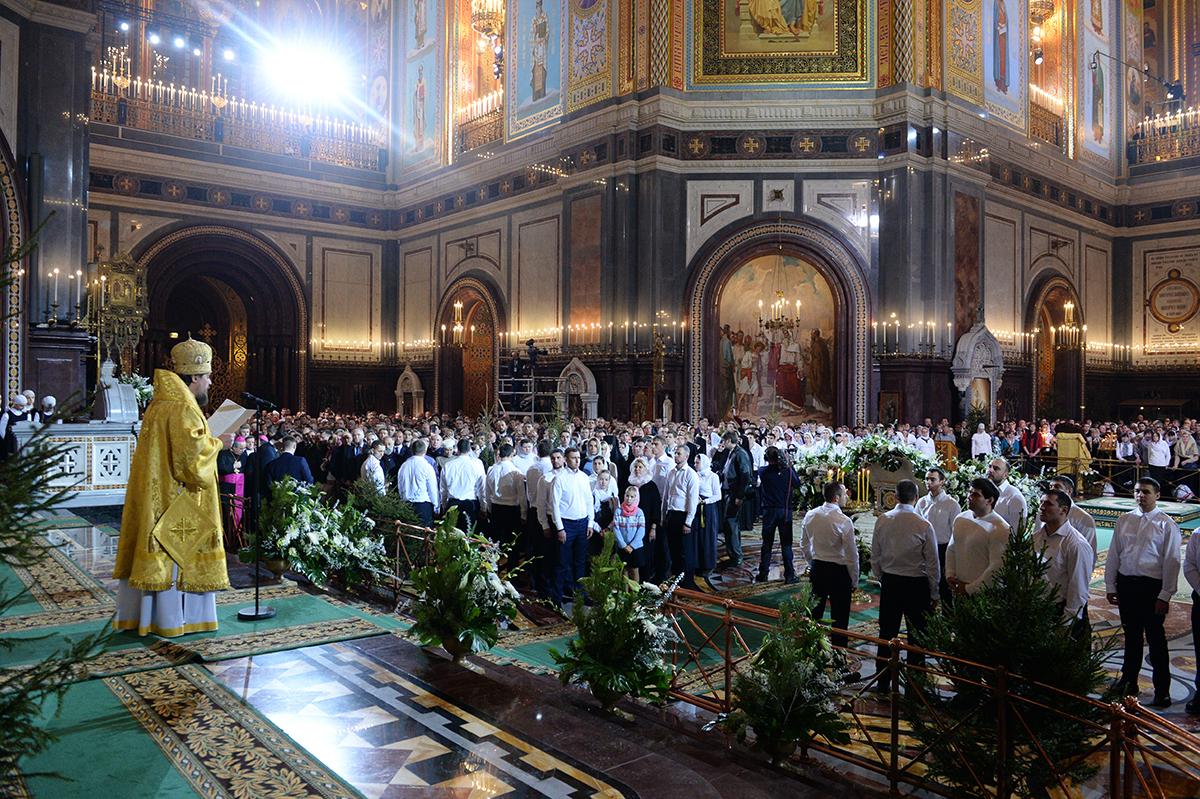 Патриаршее ночное богослужение в праздник Рождества Христова в Храме Христа Спасителя в Москве