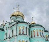 Предстоятель Украинской Православной Церкви совершил Литургию в Банченском монастыре
