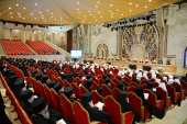 В работе Архиерейского Собора принимают участие 320 архиереев