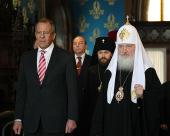 Святейший Патриарх Кирилл поздравил министра иностранных дел РФ С.В. Лаврова с Днем дипломатического работника