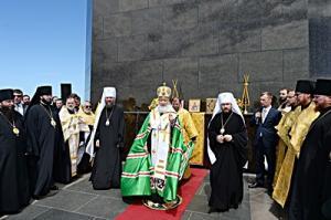 Святейший Патриарх Кирилл совершил молебен о гонимых христианах у статуи Христа-Искупителя на горе Корковаду и посетил храм мученицы Зинаиды в Рио-де-Жанейро