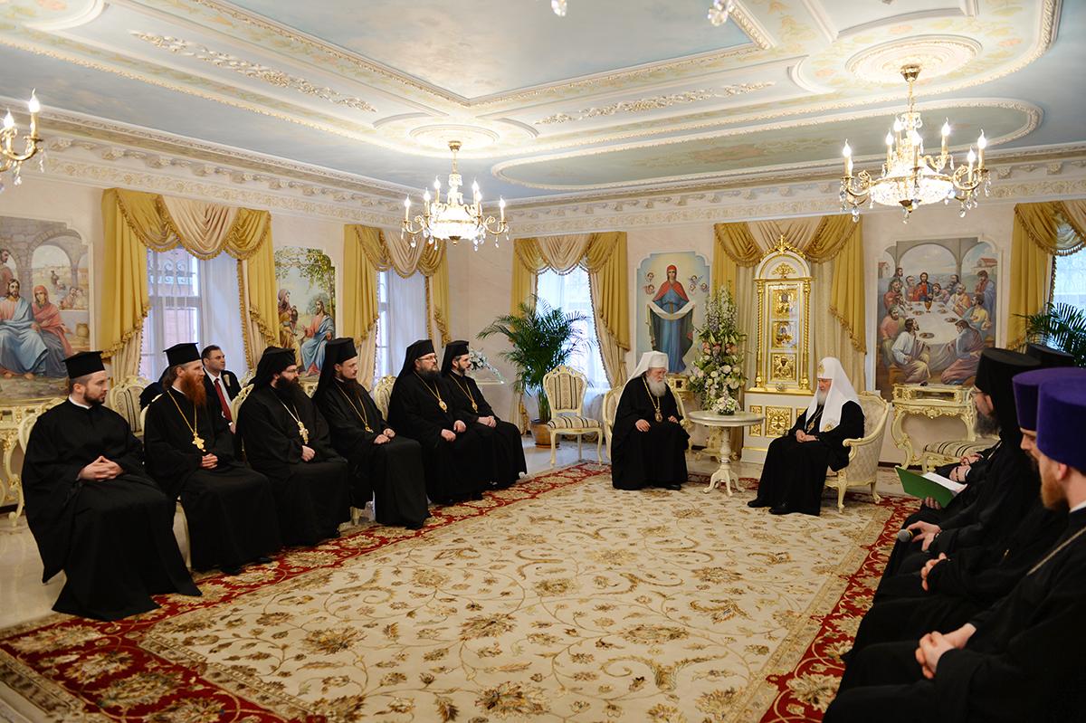 Служение Предстоятелей Русской и Болгарской Православных Церквей в Покровском женском монастыре г. Москвы