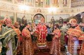 Предстоятель Украинской Православной Церкви совершил Литургию во Введенском монастыре Киева