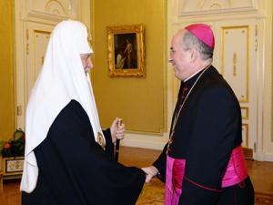 Святейший Патриарх Кирилл встретился с апостольским нунцием архиепископом Иваном Юрковичем, завершающим свое служение в России