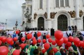 Православная молодежь столицы поздравила Святейшего Патриарха Кирилла с праздником Пасхи