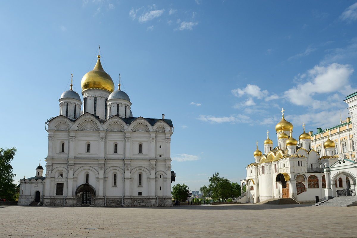 Патриаршее служение в день Радоницы в Архангельском соборе Московского Кремля