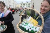 На благотворительном празднике «Белый цветок» православная служба помощи «Милосердие» собрала 2 миллиона рублей на профилактику абортов