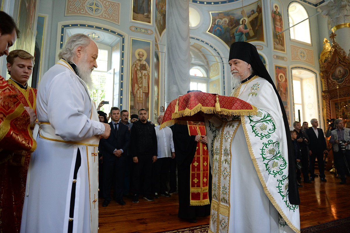 Визит Святейшего Патриарха Кирилла в Грецию. Литургия в Старом Русике на Афоне