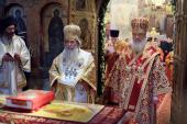 В день памяти равноапостольных Мефодия и Кирилла Предстоятели Иерусалимской и Русской Православных Церквей совершили Божественную литургию в Успенском соборе Московского Кремля