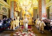 В день памяти святых апостолов Петра и Павла Святейший Патриарх Кирилл совершил Литургию в Петропавловском соборе Санкт-Петербурга