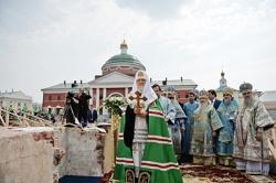 Святейший Патриарх Кирилл совершил чин закладки собора на месте обретения Казанской иконы Божией Матери