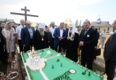 Патриарший визит в Орловскую митрополию. Посещение места строительства православного комплекса в поселке Вятский Посад