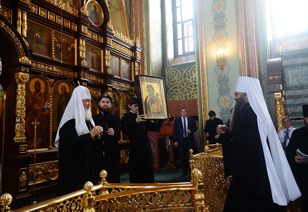 Патриарший визит в Нижегородскую митрополию. Освящение закладного камня в основание Успенского собора Саровской пустыни