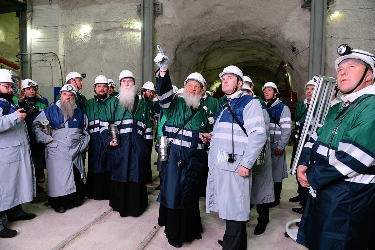 Патриарший визит в Мурманскую митрополию. Посещение Кировского рудника. Спуск в шахту