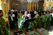 "Vizita Patriarhului la Solovki. Sfințirea catedralei ""Sfânta Treime"". Dumnezeiasca liturghie"