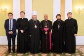 Митрополит Астанайский и Казахстанский Александр встретился с новоназначенным апостольским нунцием в Казахстане