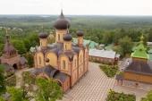 В Пюхтицком ставропигиальном монастыре состоялась закладка храма святителя Алексия Московского и великомученицы Варвары