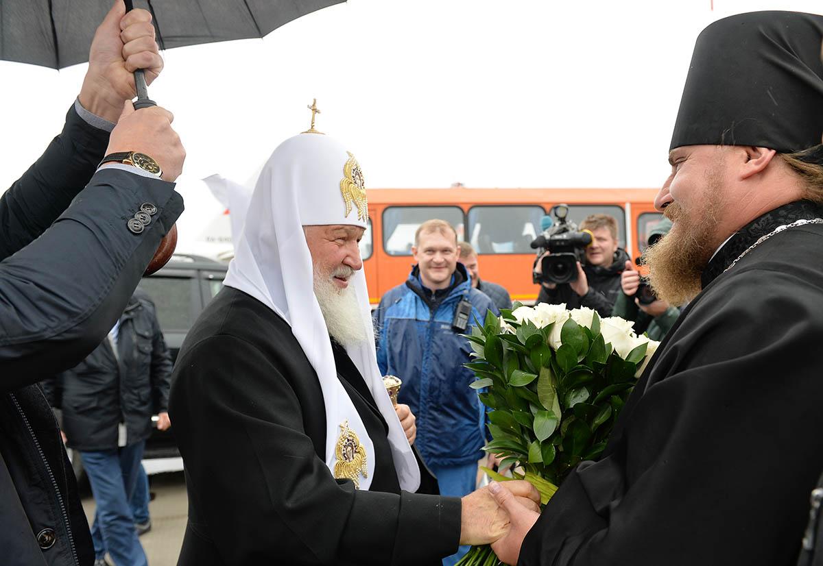 Патриарший визит в Салехардскую епархию. Освящение Троицкого храма в поселке Сабетта на Ямале