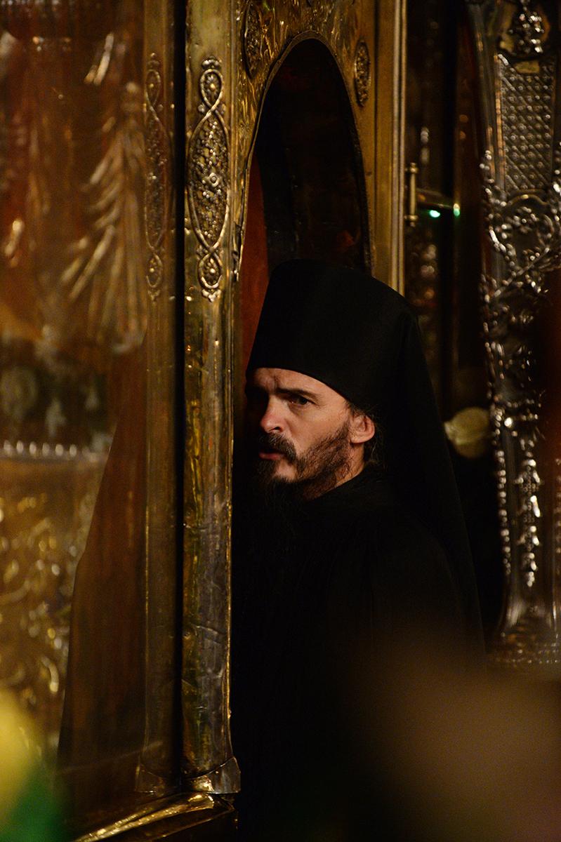Всенощное бдение в канун дня преставления преподобного Сергия Радонежского в Троицком соборе Троице-Сергиевой лавры