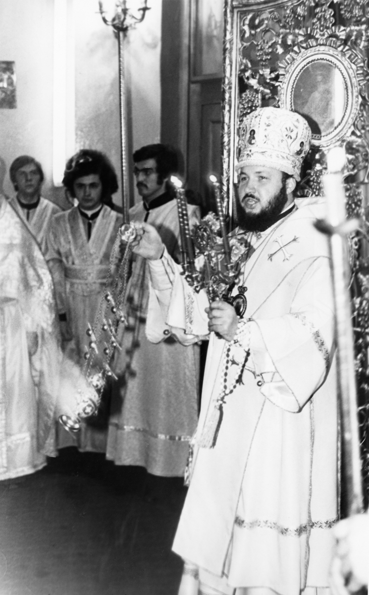 Пасха в храме святого апостола Иоанна Богослова Ленинградской духовной академии. 1970-е гг.