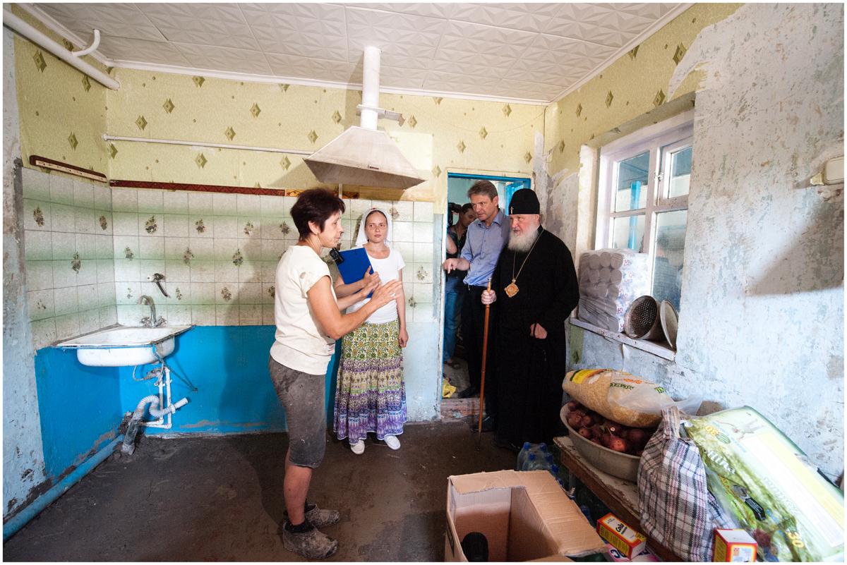 Встреча с пострадавшими от наводнения в г. Крымск. 23 июля 2012 г.