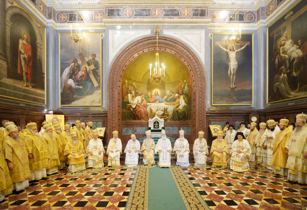 Служение Предстоятелей и представителей Поместных Православных Церквей. Москва, Храм Христа Спасителя. 24 июля 2013 г.