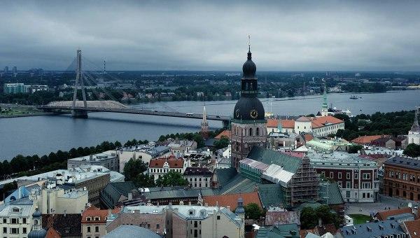 Порошенко поздравил Латвию сДнем независимости республики