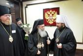 На торжества по случаю 70-летия Святейшего Патриарха Кирилла в Москву прибыл Предстоятель Иерусалимской Православной Церкви