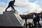 У памятника героям Первой мировой войны в г. Гусеве Предстоятель Русской Церкви почтил память погибших воинов