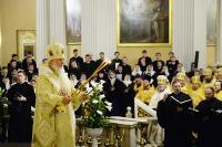 В Неделю 26-ю по Пятидесятнице Предстоятель Русской Церкви совершил Литургию в Троицком соборе Александро-Невской лавры