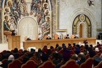 Святейший Патриарх Кирилл предложил заменить обычай преподносить Предстоятелю на праздники цветы сбором средств в пользу социальных учреждений