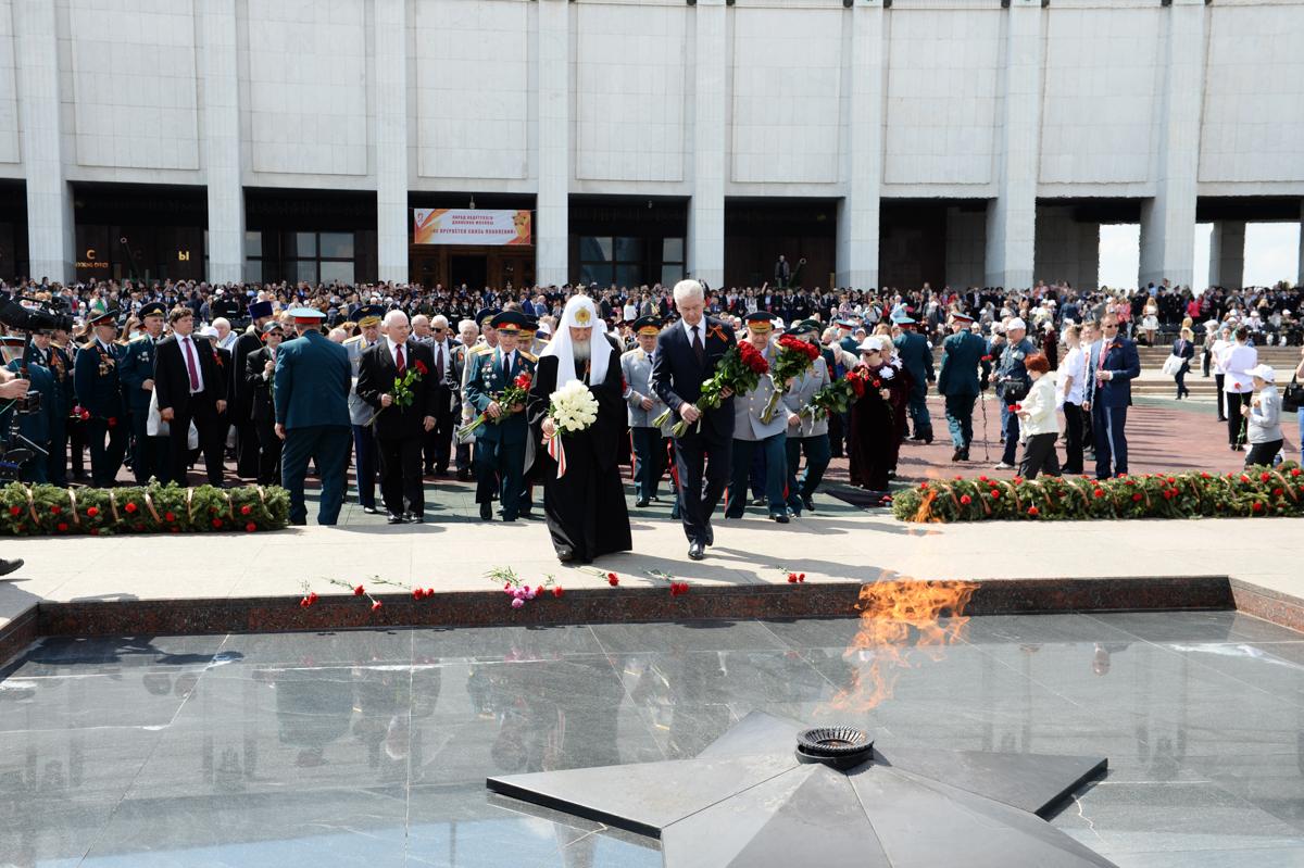 6 мая. Парад «Не прервется связь поколений» на Поклонной горе в Москве