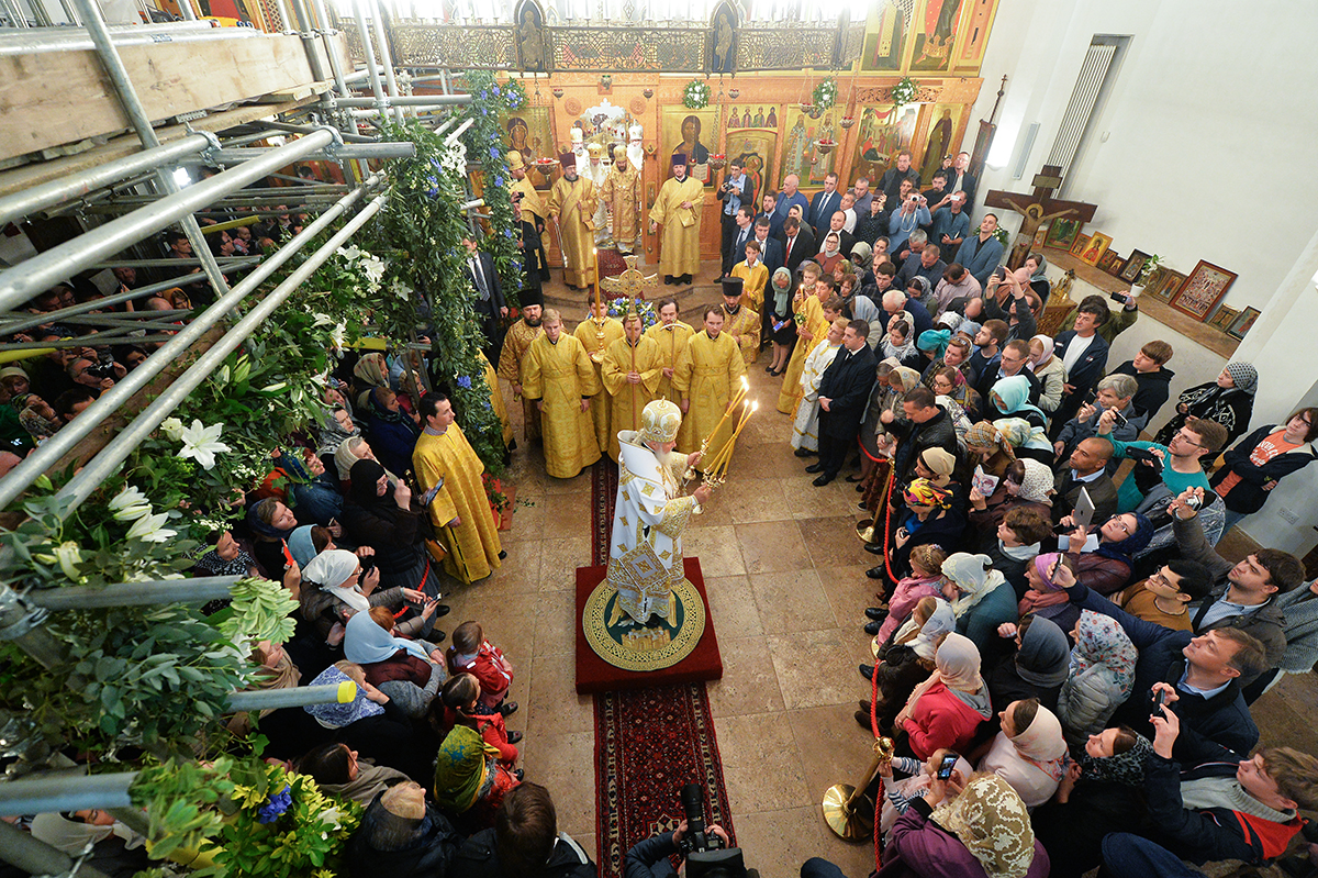 15 октября. Визит в Великобританию. Богослужение в Успенском храме Русской Зарубежной Церкви в Лондоне