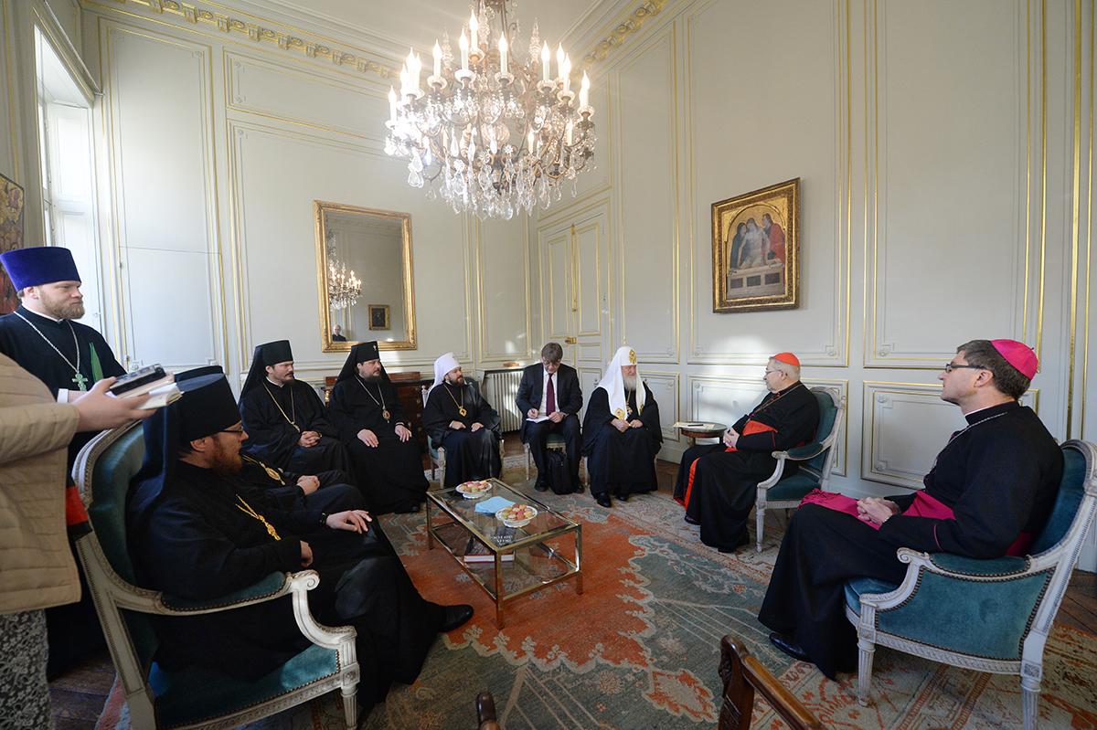 5 декабря. Патриарший визит в Корсунскую епархию. Встреча с архиепископом Парижа кардиналом Андре Вен-Труа