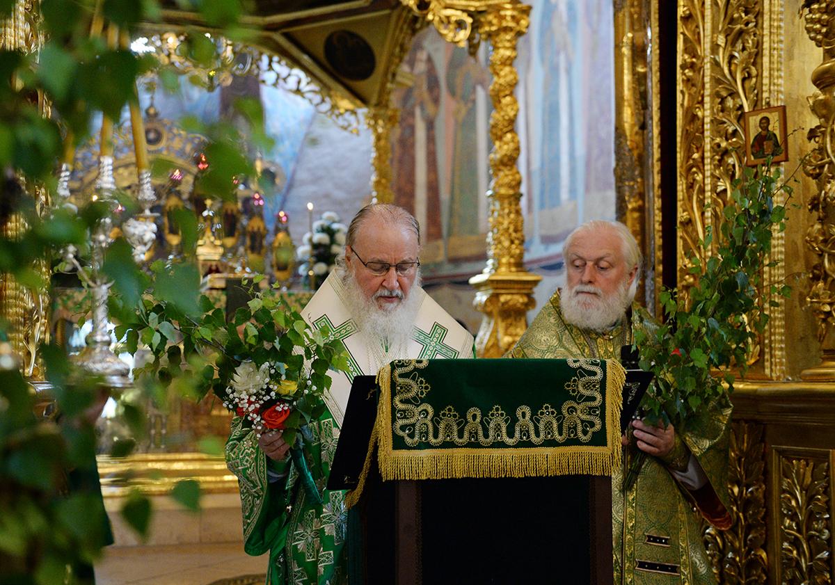 19 июня. Служение в день Святой Троицы в Троице-Сергиевой лавре
